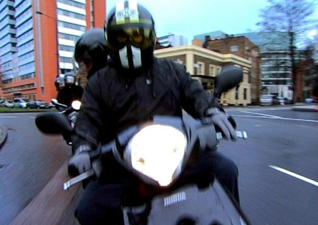 Moped muggers Islington