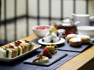 Vegan Afternoon Tea, La Suite West
