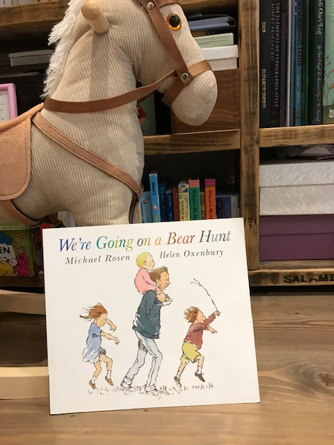 Michael Rosen and Helen Oxenbury 'We're Going on a Bear Hunt'